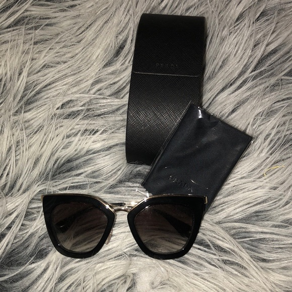 124bd90a7c6 Prada sunglasses PR 53SS. M 5af8d407f9e501b8306c1d74